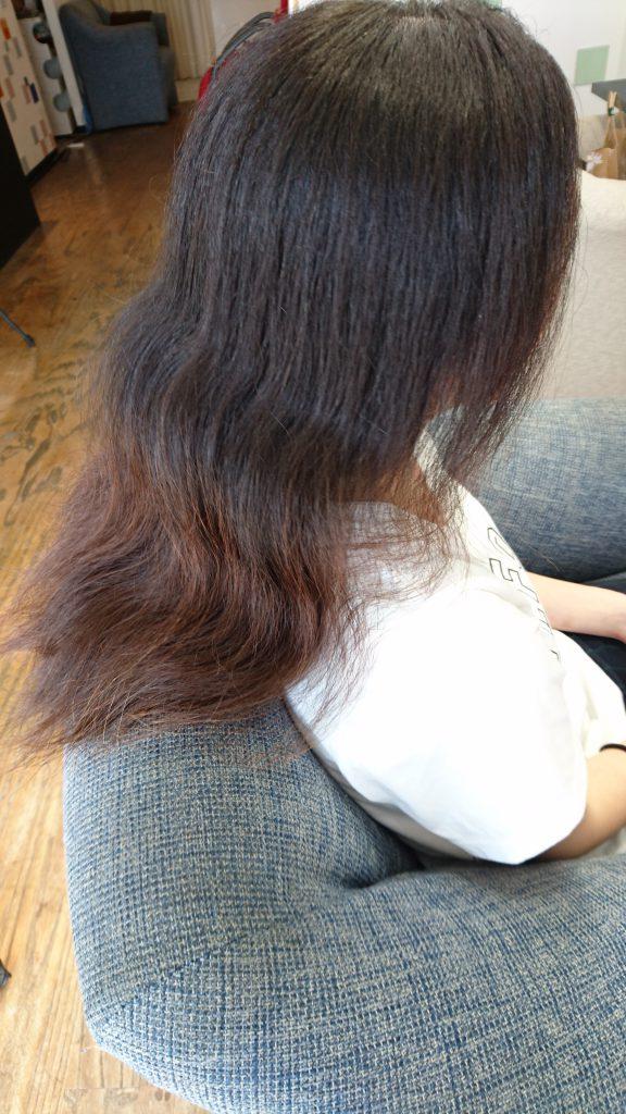 髪の毛の量が多くて広がる、ショートを断られる
