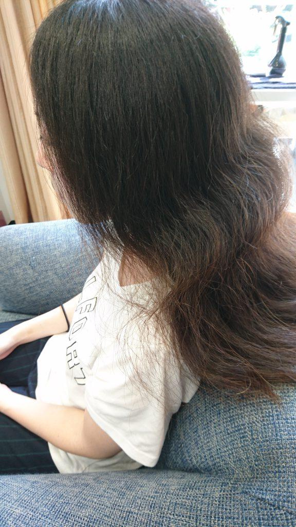 縮毛矯正をすると針金のようにまっすぐになってしまう