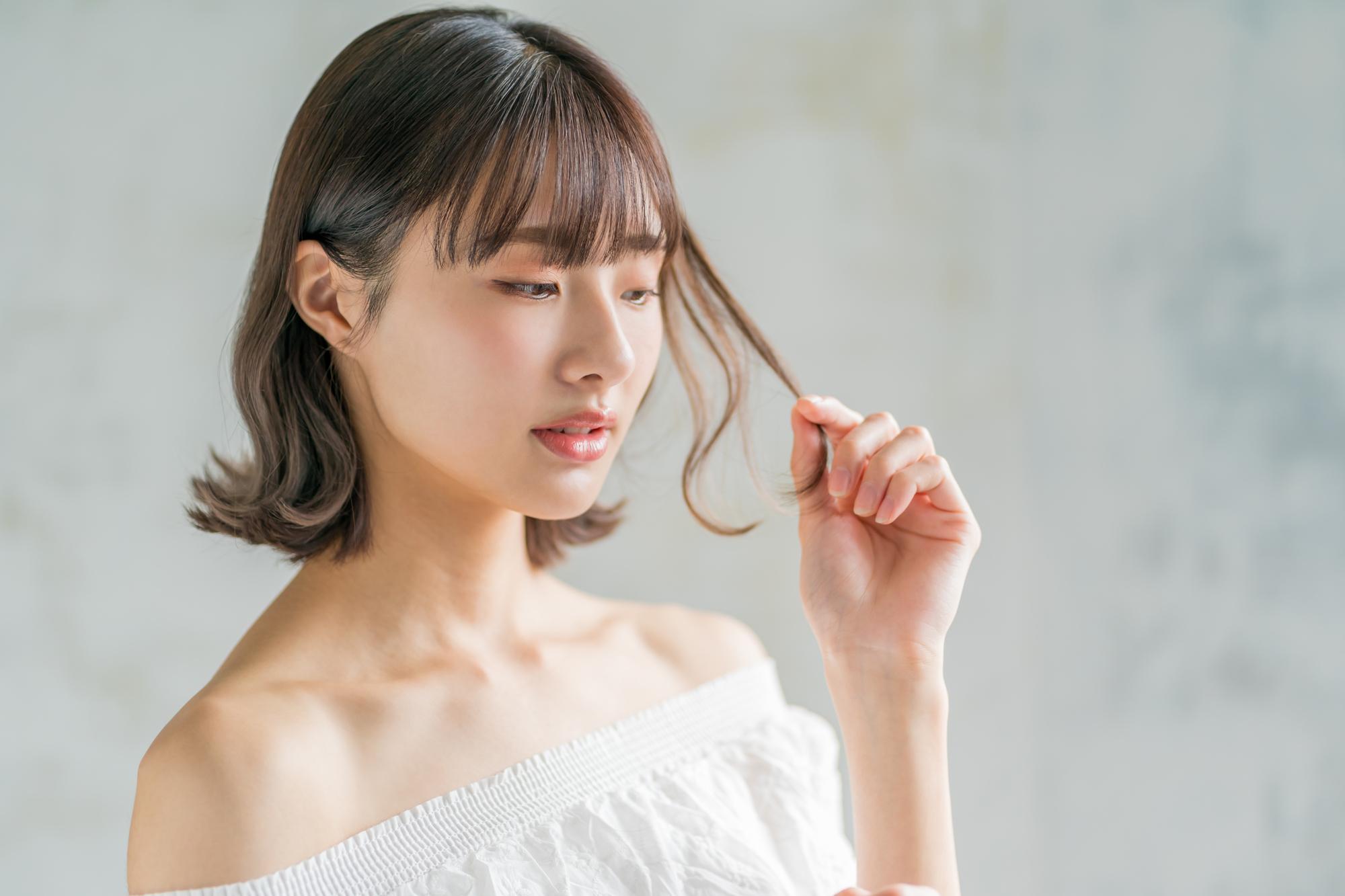 【美容師解説】シャンプーの後に髪の毛がきしむ原因って?