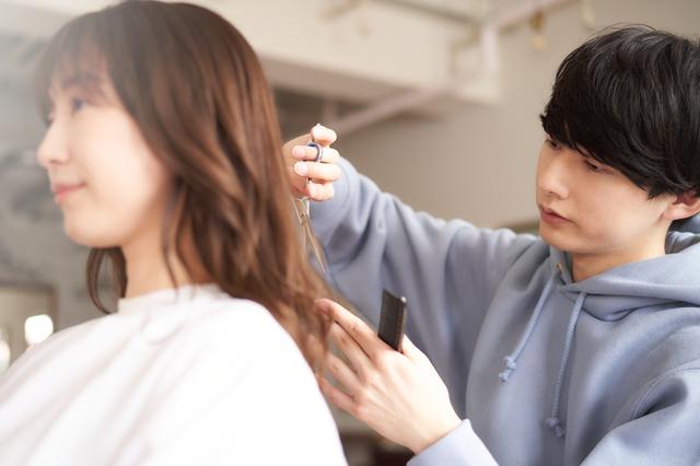 美容師がくせ毛のお客様のご意見を聞いて商品化した製品について