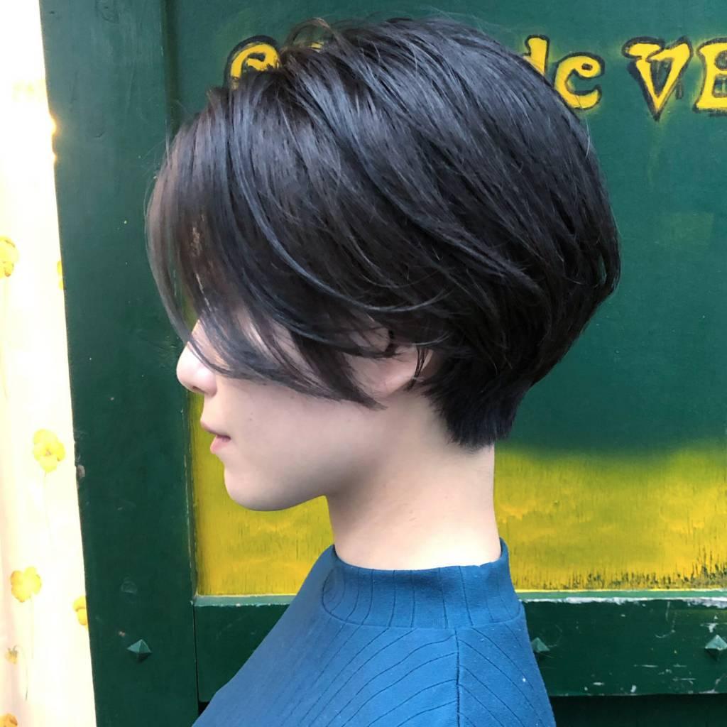 ヘルメットみたいな髪型にレイヤーを入れて改善した例